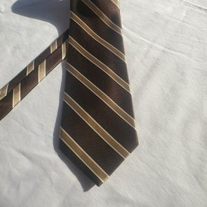 Brooks Brothers stain resistant men's tie